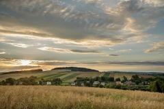 (c) Ewelina-Klos-panorama-Hermanowic-czesc-zachodnia-letni-zachod-slonca-widok-na Optyn-las
